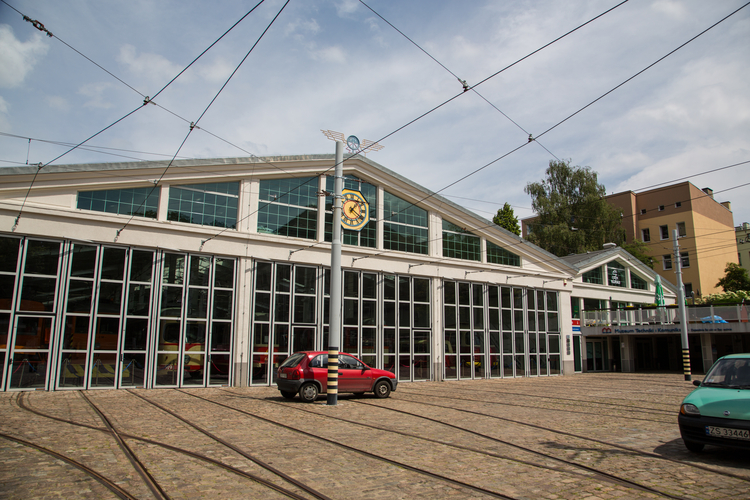 Niemierzyn_the_old_tram_depot_currently_the_Museum_of_Technology_and_Communication_EN